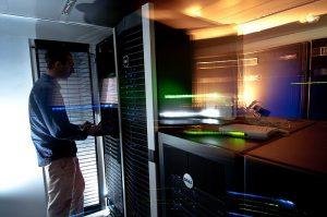 Clusters de calcul pour l'expérimentation et Télescope : infrastructure de collecte de menaces informatiques. Wadie Guizani, ingénieur au sein de l'équipe CARTE (Théorie des calculs adverses, et sécurité).